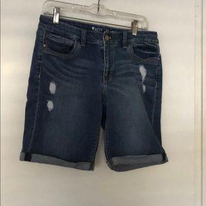 White house black market size 10 shorts